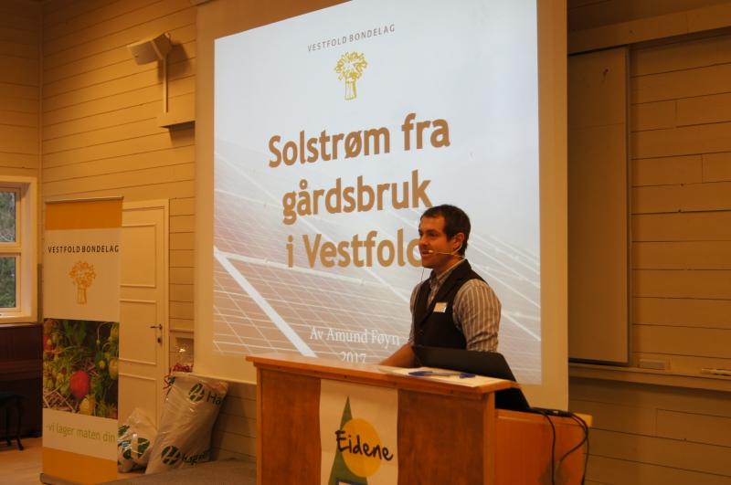 Amund Føyn presenterte solcelleprosjektet